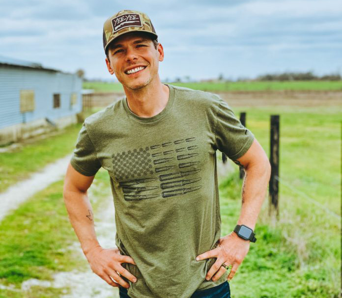 The 41-year old son of father (?) and mother(?) Granger Smith in 2021 photo. Granger Smith earned a  million dollar salary - leaving the net worth at  million in 2021